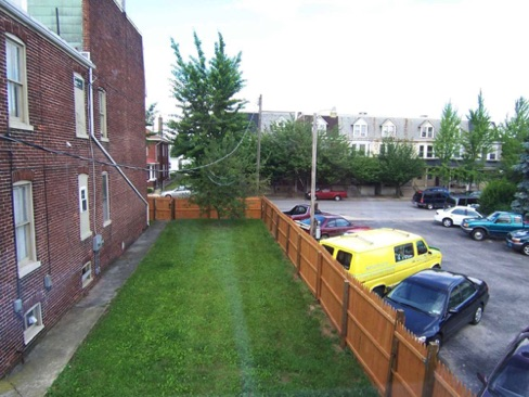 3_Rear_View_of_Courtyard_from_LR.jpg